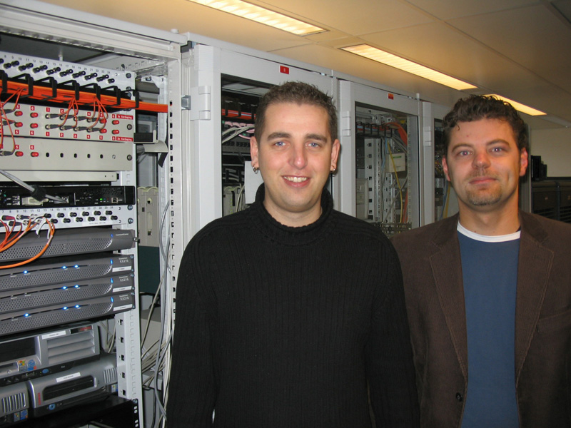 Fred Meijer (System and Network Management Coordinator) and Jeroen Groeneweg (System Manager) of the Dutch National Lottery.